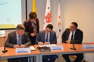 Sozialminister Antoniadis unterzeichnet das Abkommen zur Verwaltung der elektronischen Fußfesseln