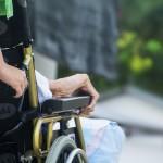 https://pixabay.com/fr/photos/hospice-soins-personnes-%C3%A2g%C3%A9es-vieux-1750928/
