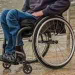 https://pixabay.com/fr/photos/fauteuil-roulant-handicap-1595794/