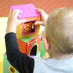 https://pixabay.com/fr/photos/garderie-enfant-maternelle-%C3%A9cole-2114173/