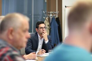 Antoniadis fordert nachhaltige Lösungen für Umgang mit Papierlosen
